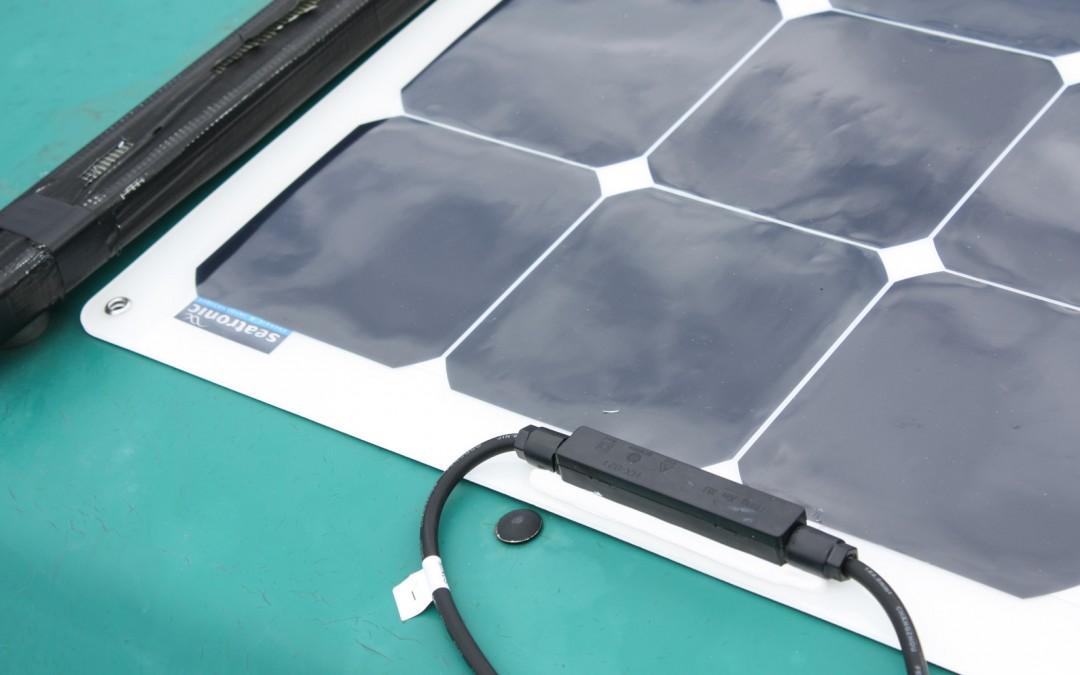 L'installation du panneau solaire souple Seatronic  sur un VW Westfalia T4 Transporter California Joker Camper